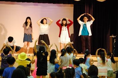 親子自主活動サークル「ももっこ」の夏祭り♪慶大サークル「K.O.E.」のアカペラコンサートで踊ったよ!