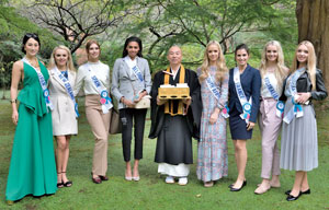 ミス・インターナショナル各国代表世界大会に向け鎌倉を訪問
