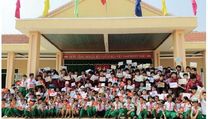 鎌倉学園がベトナムの小学校へ募金活動で新校舎をプレゼント