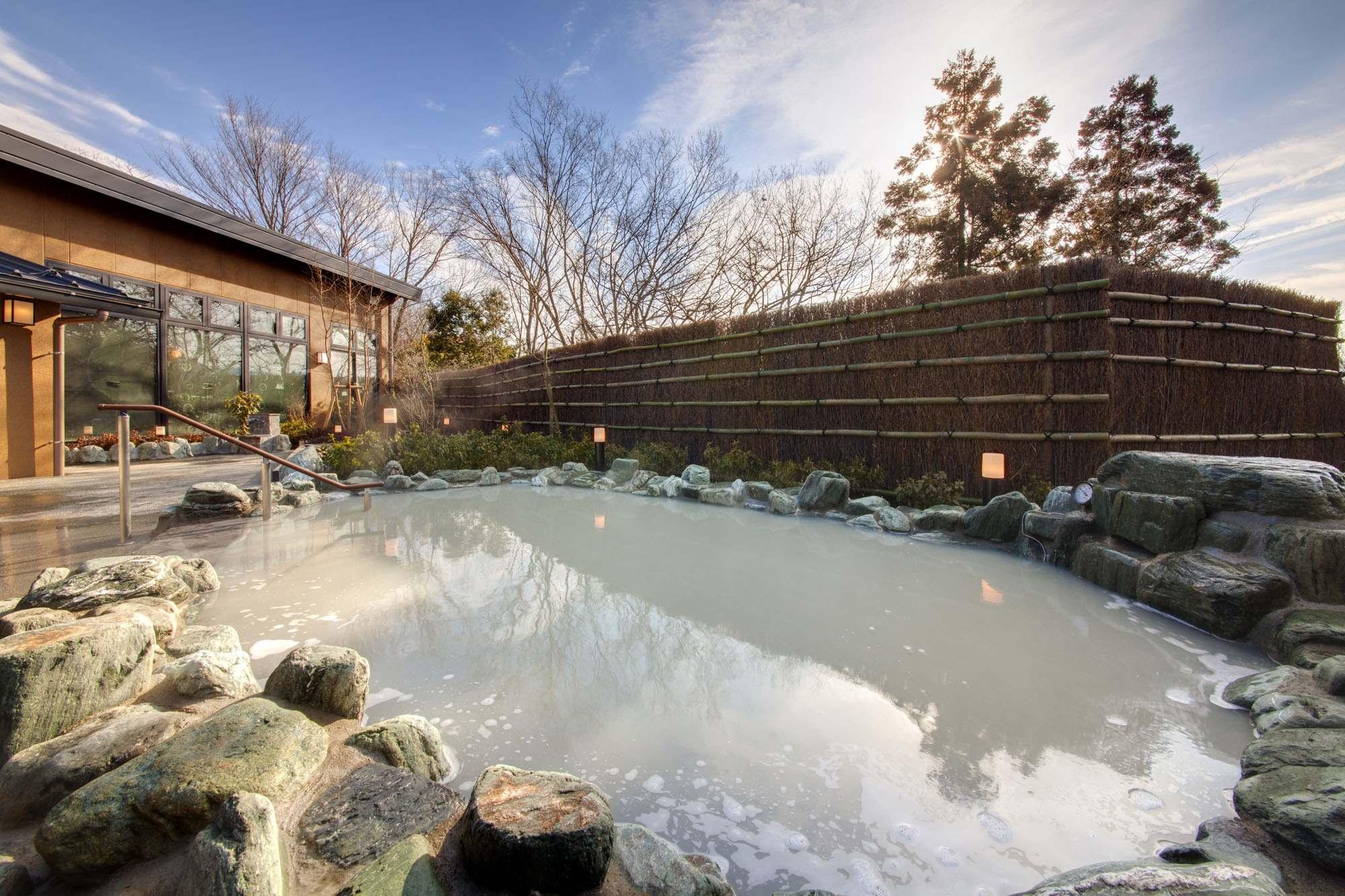 日帰り温泉「さがみ湖温泉 うるり」が3月15日(金)にオープンしました