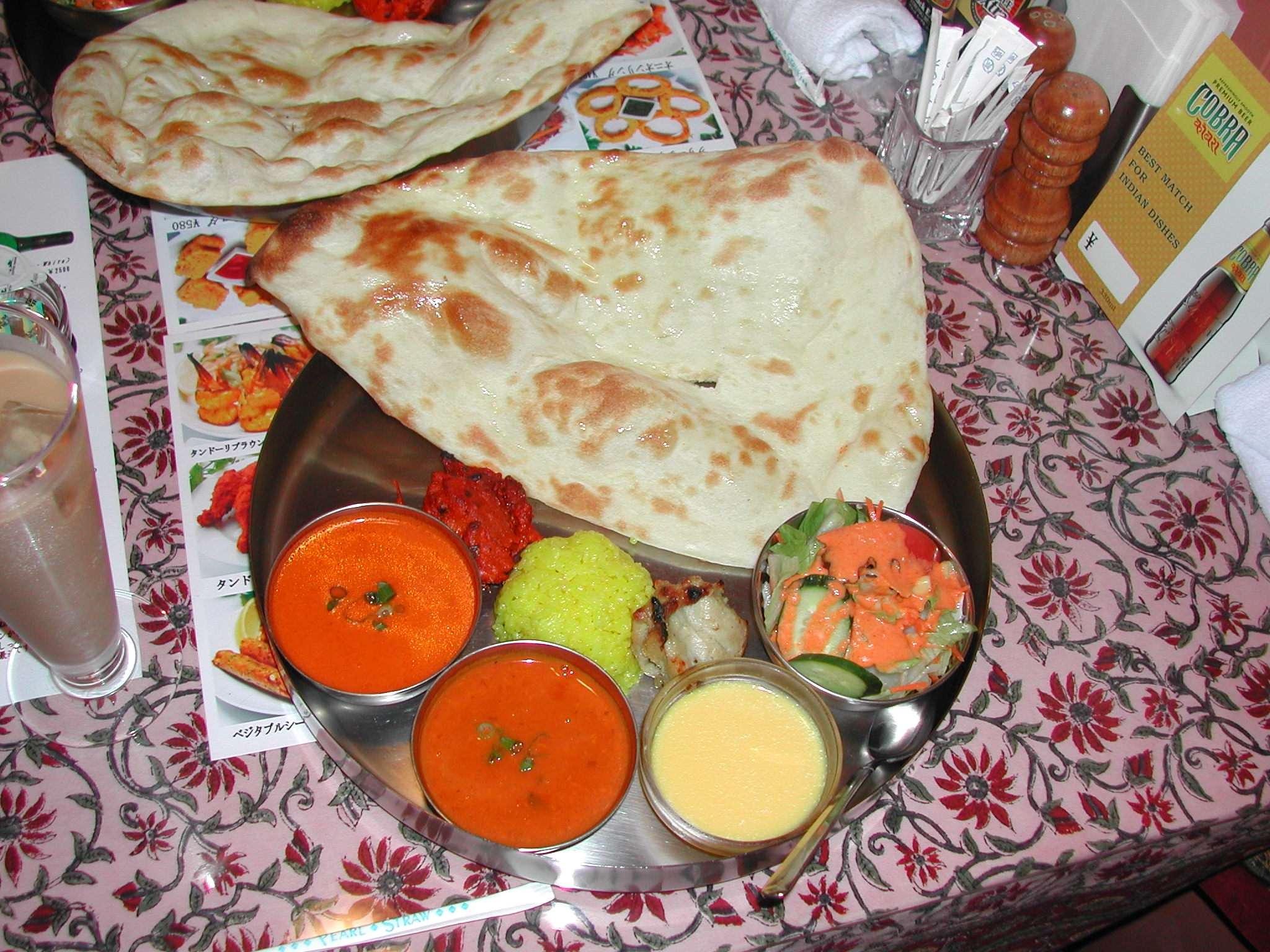 立川・インド料理「サルヴァン」のカレーはスパイスたっぷり本格派!