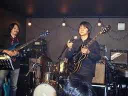 サンタナのようなギターテクの鈴木之博