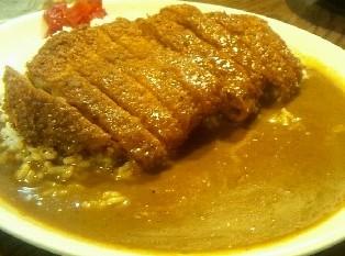 くせになる甘辛カレー(500円~)とハンバーグ! 「レードル」