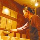 初心者にもやさしい「自家焙煎珈琲専門店」で、ウチ飲みコーヒーを もっと本格的に!