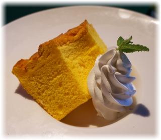 南瓜のシフォンケーキにしました