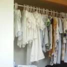 赤ちゃんの服を掛けて収納すれば、成長に合わせて選びやすい!