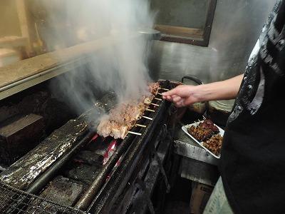 肉のうまみがたっぷり!炭火焼鳥の「せんとり」