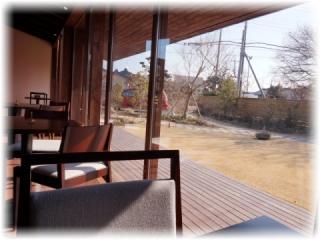 窓から少し離れた席からの眺めも素敵