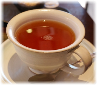 紅茶の器はこのデザインでした