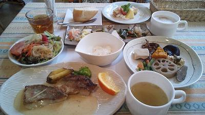 野菜メニューいっぱいの守谷のジェノは、家族で来たい欧風下町レストラン