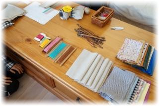 今日作る「バネポーチ」の材料が並んでます