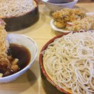 海老天が刺さってる!?元祖「つけ天」が絶品!横浜の老舗蕎麦屋「角平」