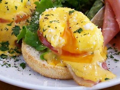 今話題のエッグベネディクトも人気!パンケーキカフェ「B-cafe」