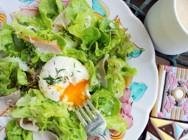 ポーチドエッグとハムの黒コショウサラダ 【時短朝食レシピ】