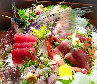 煮魚のコツは?新鮮な魚はココを見極めろ!がおいしく学べる魚専門の料理店