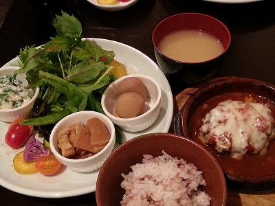 野菜ソムリエが作る小皿料理は色とりどり! 「ベジバール ディップス」
