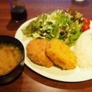 地下に隠れ家空間!Cafe Dining モチナ、西荻窪にリプレイスオープン!