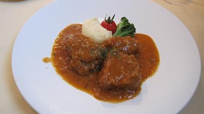 この日のお肉料理「ハーブ三元豚のトマト煮」お肉がとっても柔らかい!