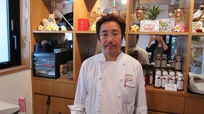 笑顔が素敵な関根オーナーシェフ。海外のリゾートレストランでも活躍!