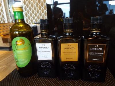 「バルベーラロレンツォ」ほか、シェフセレクトのオリーブオイルから好きなものをチョイス