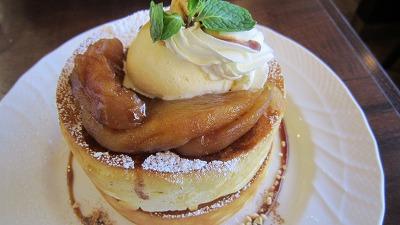 分厚くてふわっふわのスフレパンケーキ♪行列のできるカフェ@星乃珈琲店