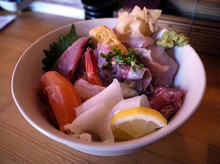 立ち食い寿司 彩り亭