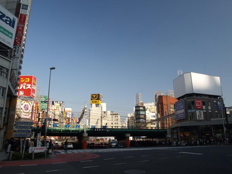 2/22新宿駅前にファミレスがオープン!