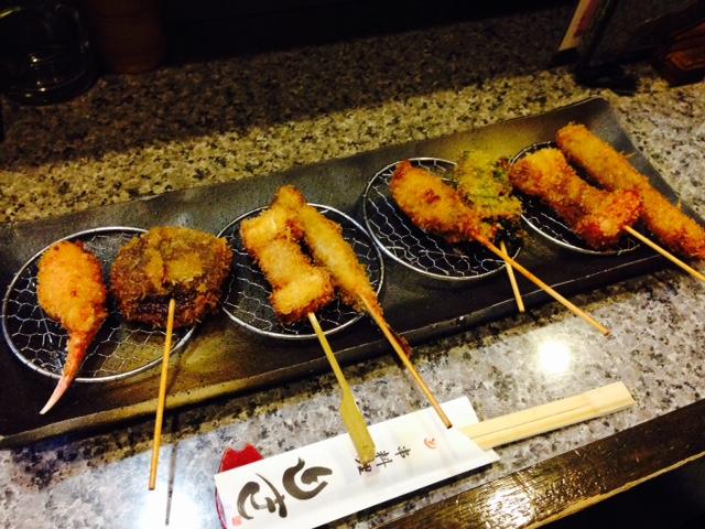 八尾「串料理 りき」でサクサクの創作串カツ料理を満喫!