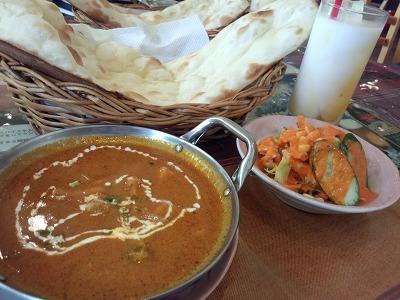 顔より大きいナンがランチタイムは食べ放題!!@インド料理ラジャン