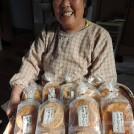 看板のない名店!昔ながらの手焼き炭火焼煎餅は一食の価値あり!岩崎米菓店