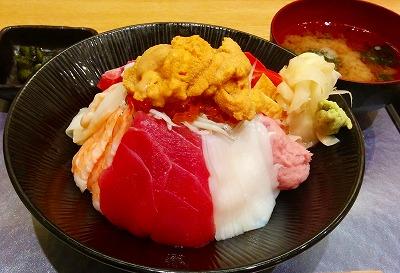 イカがおいしい!魚好きにはうれしい大宮の「鮨ダイニング 鮮助」