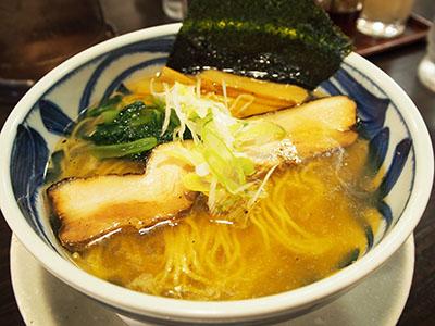NEW★女性も飲み干せる極旨スープ「野田醤油ラーメン 麺屋あじくま」
