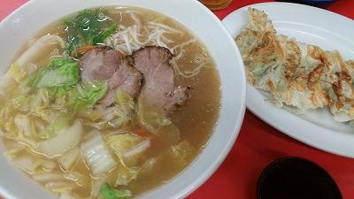天神橋筋商店街で昭和39年創業のラーメン屋「おばちゃんとこ」