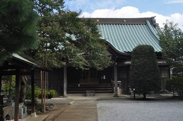 通りに面した常与寺は千葉大発祥の地