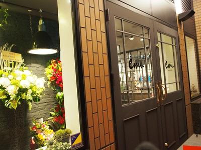 テーマはNY!「スタジオエミュ神戸居留地店」で特別な照明で撮影を