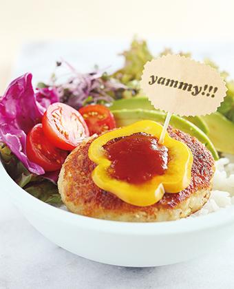 【レシピ】ポテトバーグのロコモコ丼・パイナップルグレービーソース