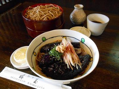 浦和駅西口で80年の老舗「梅玉」の「あげ茄子のそば」がおいしい