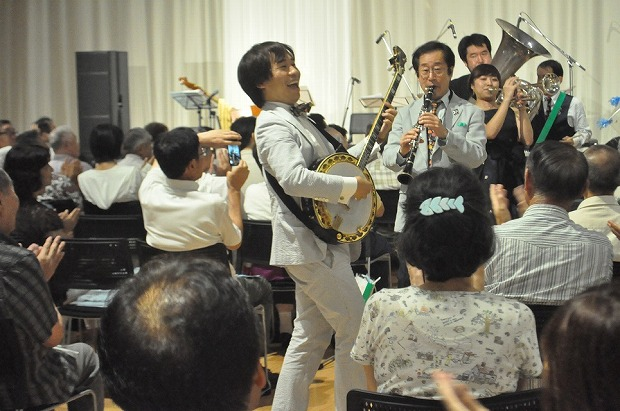 流山出身のバンジョー奏者青木研