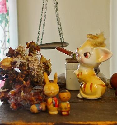 nakwach(ナクワチ)には可愛らしい昭和レトロの古道具が揃ってます