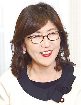 稲田朋美さん(写真)