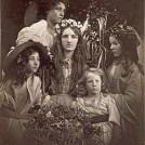 「五月祭」1866年頃。作品は全てヴィクトリア・アンド・アルバート 博物館蔵©Victoria and Albert Museum, London