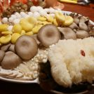 メニューがきのこ図鑑!?栄「四季茸」のきのこ鍋で、美容と笑いを!