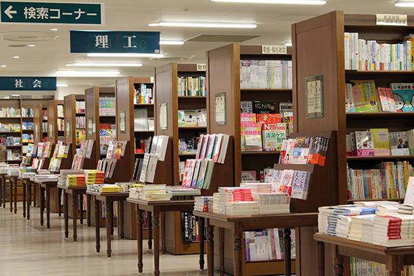 図書館みたいな本屋さん、ジュンク堂書店が柏にやってきた!