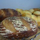 「千里山パン工房エメ・ラ・ヴィ」のシュトーレンやカンパーニュは風味豊か