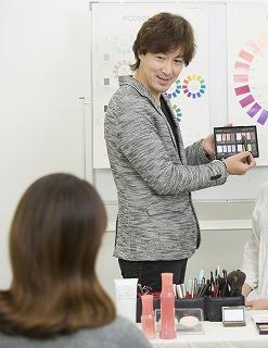 リビング新聞×ナリス化粧品 コラボセミナー
