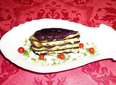 茄子とゆで卵のミルフィーユ仕立て