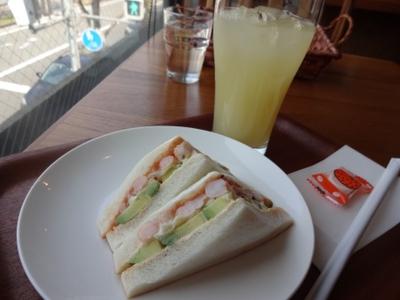 サンドとジュース