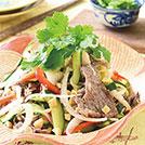 新タマネギと牛肉のアジアンサラダ