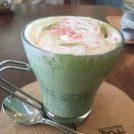 桜スイーツ★さくら抹茶ラテで春を感じて♪夙川のカフェ&ギャラリー「ワールドタイムス」