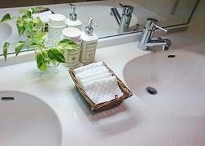 お風呂場のカビ悩みとサヨナラするには ~梅雨前のGWに、水周りのプチ大掃除を~